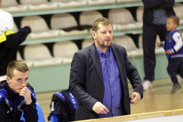 Marián Süttö priviedol Galantu v júni 2015 do tretej ligy. Po jesennej časti mužstvo zimuje na ôsmom mieste.