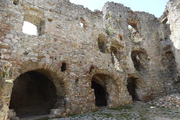 Brekovský hrad.