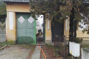 Požiar v rodinnom dome vypukol na Silvestra.