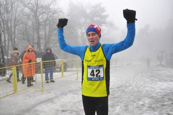 Najrýchlejším mužom v ťažkých podmienkach bol 19-ročný Peter Ursíny.