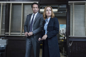 Mulder a Scullyová opäť hľadajú mimozemšťanov a tentoraz aj strateného syna.