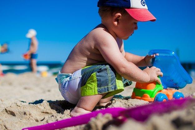 Cestovanie s deťmi: Na čo nezabudnúť pri balení?