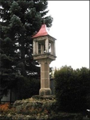Gotický lampový stĺp.