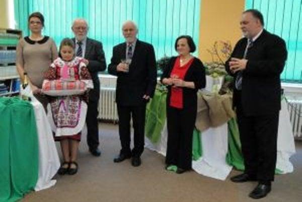 V škole na Mazorníkove uviedli do života novú publikáciu F. Balohu a A. Gorduličovej.