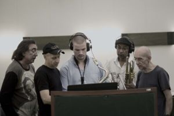 Nikolaj NIkitin Quartet a Michael Patches ( druhý sprava)