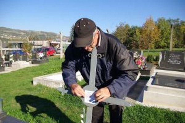 Podľa Pavla Bielika prispeje pasportizácia k tomu, aby vznikli nové hrobové miesta aj na preplnených cintorínoch