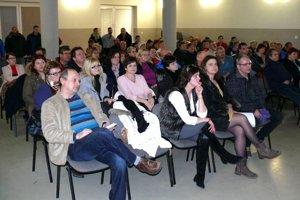 Ľudia v Sučanoch odmietli možný projekt krematória v priemyselnej zóne.
