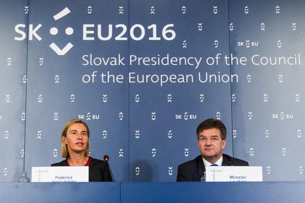 Minister zahraničných vecí SR Miroslav Lajčák a vysoká predstaviteľka Európskej Únie pre zahraničné vzťahy a bezpečnostnú politiku Federica Mogheriniová.