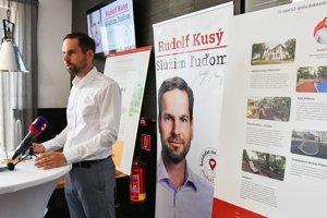 Nemám koníčky, iba prácu, vysvetľoval Kusý, prečo toľko investuje do kampane.