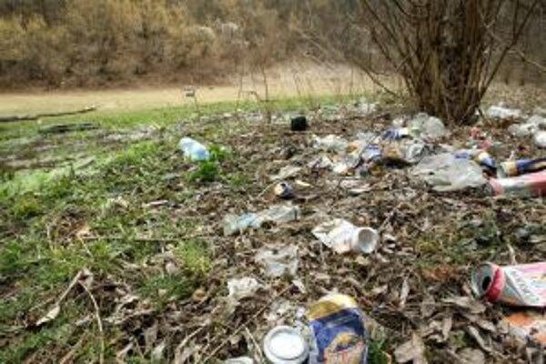 Sásovská dolina sa strácala  v uplynulých rokoch neraz pod odpadom. S novým projektom sa otvára aj šanca, aby si ľudia viac uvedomili jej hodnoty