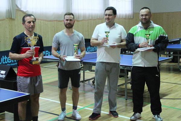 Zľava: Jozef Koricina, Tomáš Gažovič, Jozef Švancar aMiloš  Siska).