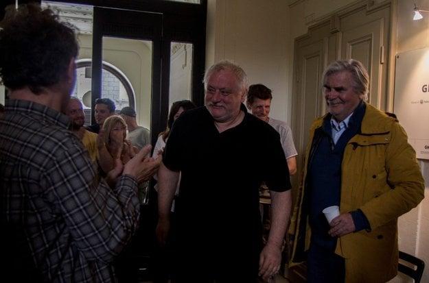 Režisér Martin Šulík (v strede) a rakúsky herec Peter Simonischek.