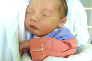 Petra Suchá z Novej Bane porodila 5. januára manželovi Jánovi druhorodeného synčeka TIMOTEJA. Malý Timotej po narodení meral 47 cm a vážil 3 kg. Z bračeka má radosť 4,5-ročný Damianko.