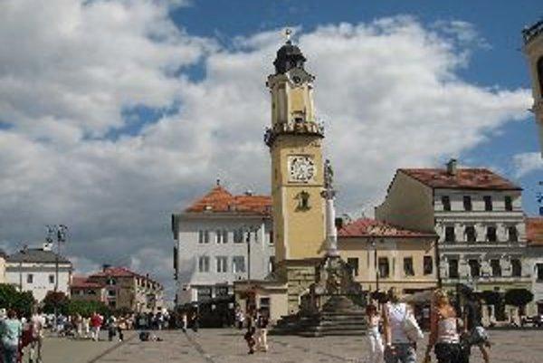 Šikmá veža nie je postrachom, ale atrakciou pre turistov