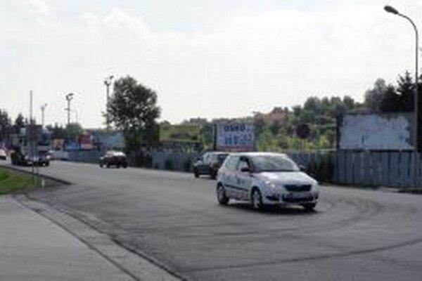 Cesta bude uzavretá od čerpacej stanice Shell po križovatku s Mládežníckou ulicou.