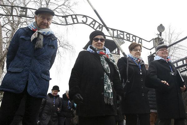 Spomienka pri bývalom koncentračnom tábore Auschwitz v Poľsku.