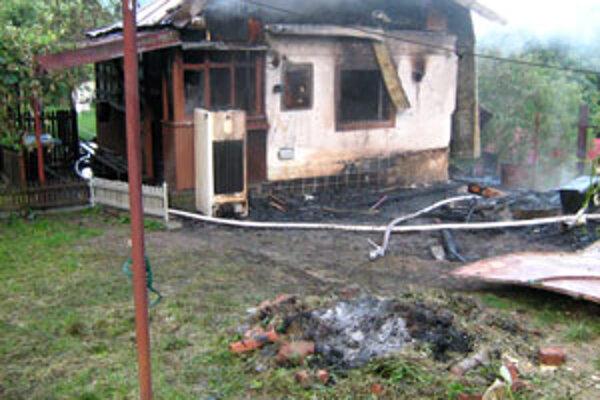 Požiar napáchal škody za 2700 eur.