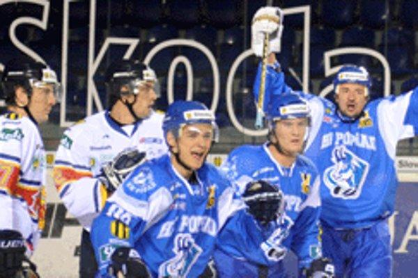Zvolenskí hokejisti podľahli domácemu Popradu o jediný gól.