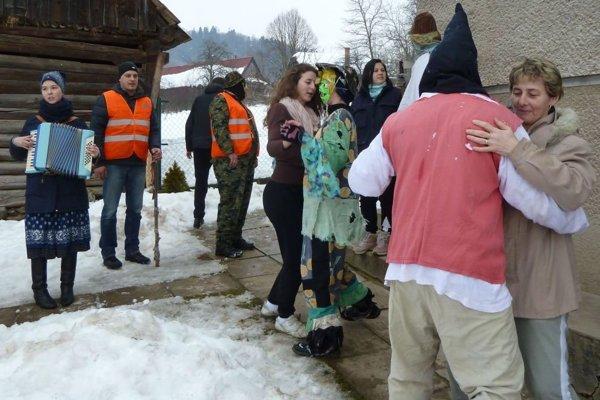 Masky navštívili aj domácnosti v Jasenove.