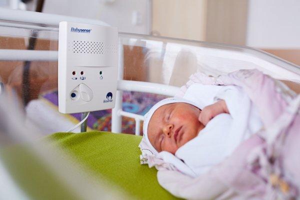 Monitory kontrolujú dýchanie dieťaťa.