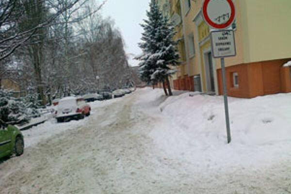 Na Bystrickom rade cestári neodhŕňali.