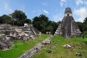Ruiny mesta tikal, ktoré vedci skúmali pomocou technológie LiDAR.