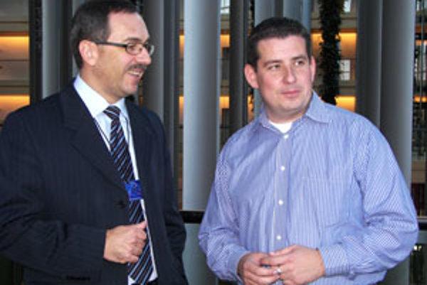 Europoslanec a dnes aj šéf banskobystrickej župy Vladimír Maňka založil s Patrikom Hermanom pred dvoma rokmi občianske združenie Štvorlístok deťom.