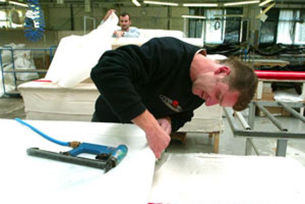 Výrobca čalúneného nábytku Lind Mobler, jeden z najvýznamnejších zamestnávateľov v Krupine, zamestnáva vyše dvesto ľudí.