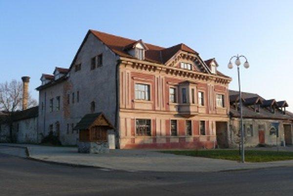 Bývalé sídlo Vagačovcov je v súčasnosti opustené.