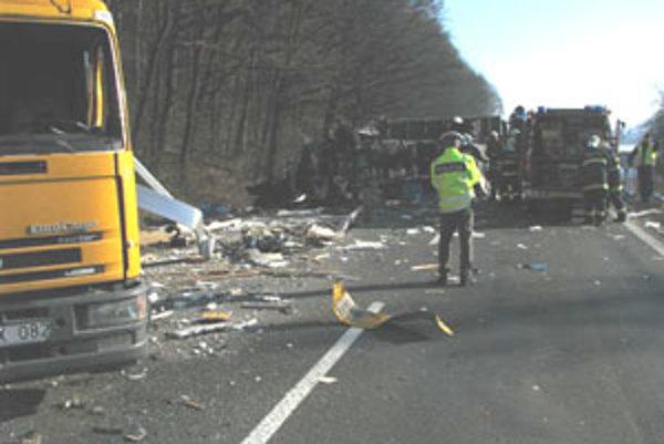 dopravná nehoda pri Stožku.