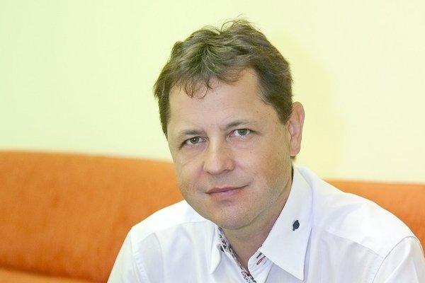 Teodor Kluka. Prednosta kliniky plastickej chirurgie v košickej nemocnici.