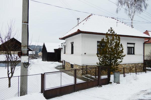 Dom vGalovanoch, vktorom zachránili osemčlennú rodinu. Dnes má už iných majiteľov.