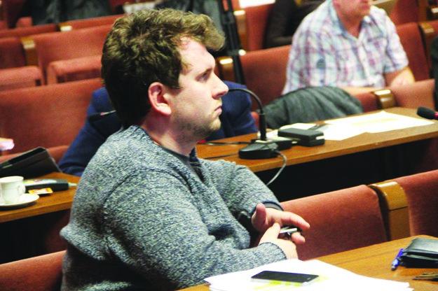 Poslanec Michael Angelov navrhol vyhlásiť transparentnú súťaž.