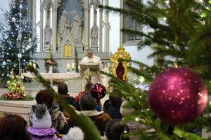 Polnočná omša je pre veriacich neoddeliteľnou súčasťou Vianoc.