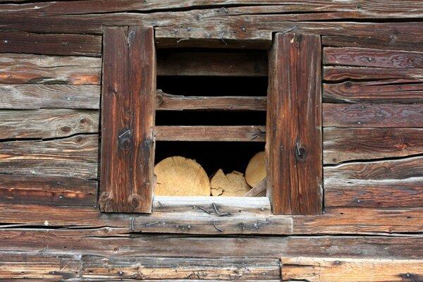 Tradičných drevených stavieb sa veľa nezachovalo.