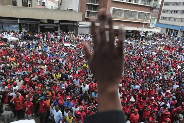 Opozíciu povedie Nelson Chamisa.