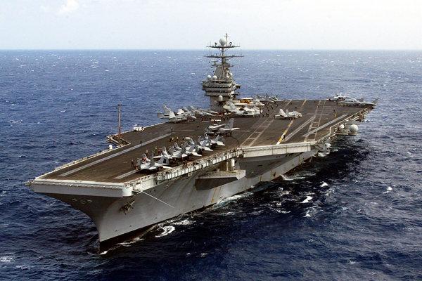 Americká vojnová letecká loď USS Harry S. Truman.