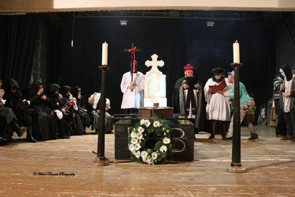 Basa mala pohreb so všetkým, čo ku koncu fašiangov patrí.