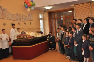 Do kostola Zmŕtvychvstalého Krista v srdci Luníka IX zavítal v roku 2013 don Bosco.