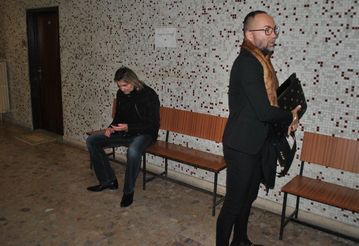 Kabrheľ poštval po svadbe na manželku exekútora - kosice.korzar.sme.sk