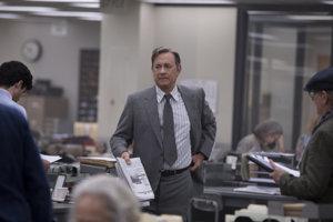 Tom Hanks vo filme The Post: Aféra v Pentagone.