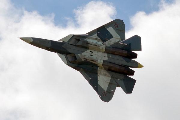 Ruská stíhačka Su-57.