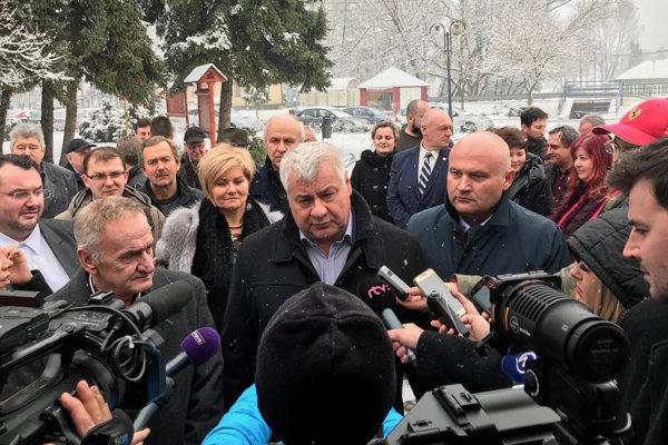 Minister dopravy Érsek.