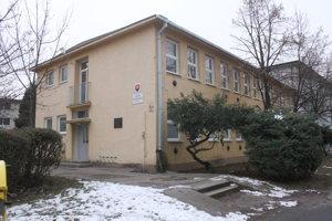 Mestská škola má veľa záujemcov o štúdium.