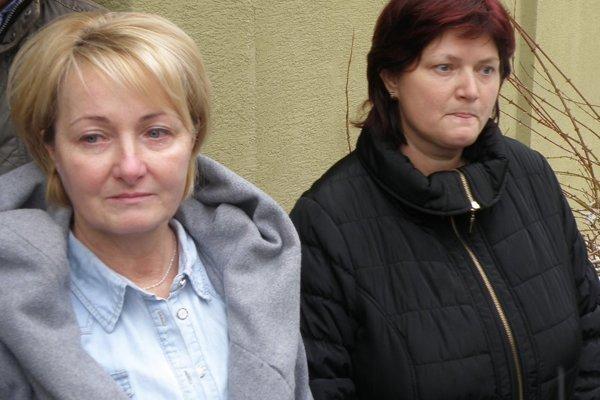 Alena Pešlová (vľavo) a Katarína Oršulová vinia viceprimátora Prievidze Ľuboša Maxinu zo šikanovania na pracovisku.