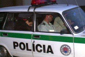 30. jún 2003. Majského odvážajú z budovy súdu v Košiciach.