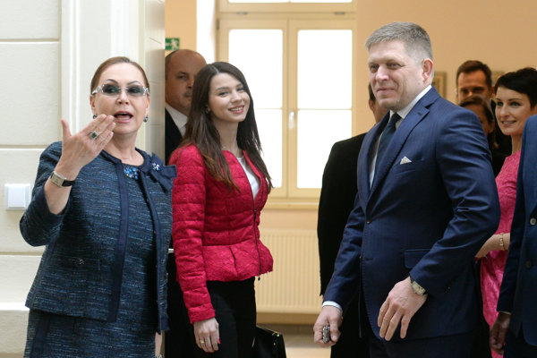 Ivetta Macejková (vľavo), Mária Trošková a Robert Fico na pracovnom výjazde v Košiciach vo februári 2017.