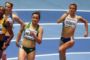 Alexandra Bezeková (vpravo).
