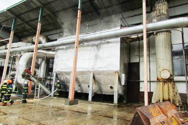 Požiar filtrov vo firme vLiskovej, škoda bola 50-tisíc eur.