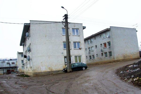 Na Orechovom dvore je 61 bytov. Ľudí z nich plánujú dočasne vysťahovať.